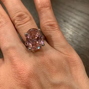 Large pink oval ring - Costume Jewelry